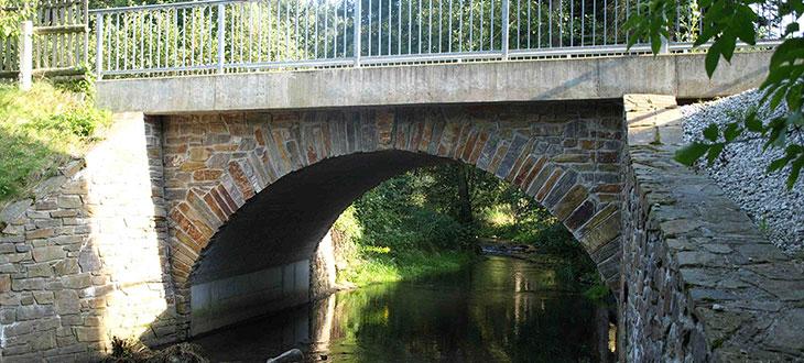 HTA Bauunternehmen - Neubau Gewölbebrücke Geyersdorf Erzgebirge