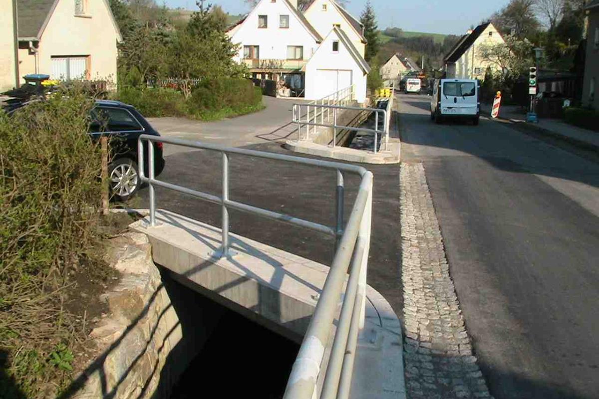 HTA - Stützmauer Arnsfeld
